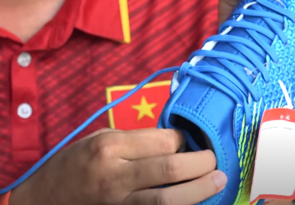 giày bóng đá wika
